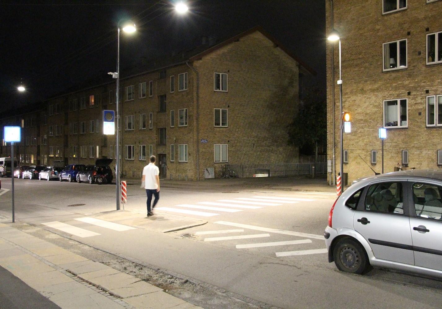 Radar and dynamic lighting for safer crossings